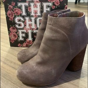 Jeffrey Cambell booties size 8